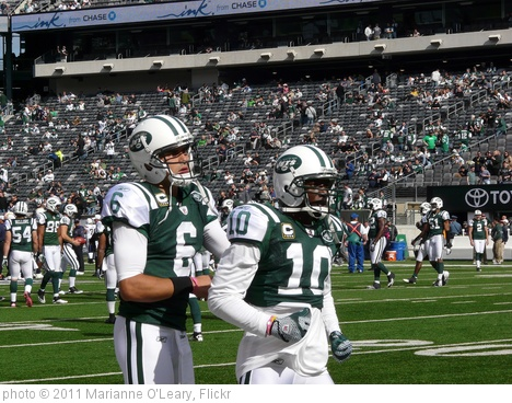 'New York Jets Quarterback Mark Sanchez and Wide Receiver Santonio Holmes' photo (c) 2011, Marianne O'Leary - license: http://creativecommons.org/licenses/by/2.0/