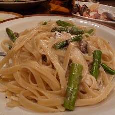 Chicken With Fettuccine Alfredo