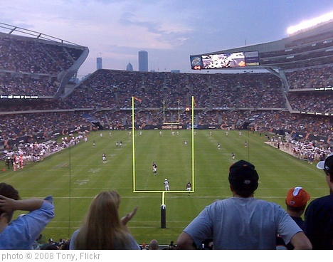 'Bears Game' photo (c) 2008, Tony - license: http://creativecommons.org/licenses/by-sa/2.0/