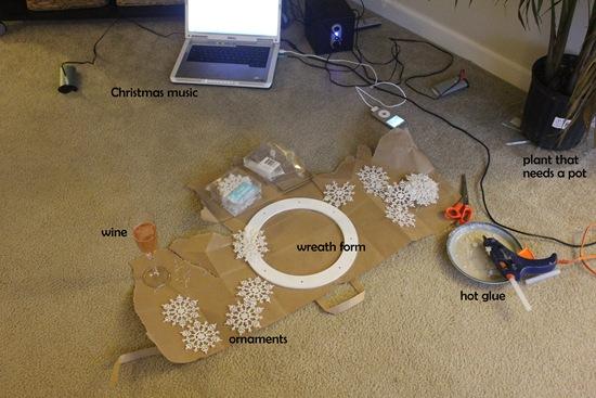 hot-to-make-a-snowflake-wreath