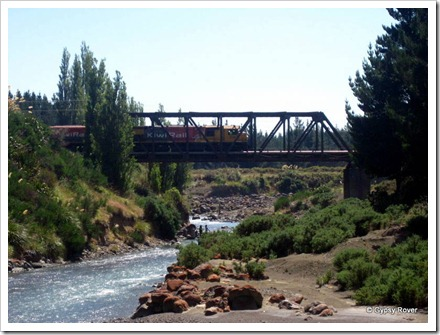 Freight train crossing the Whangaehu river near Waiouru.