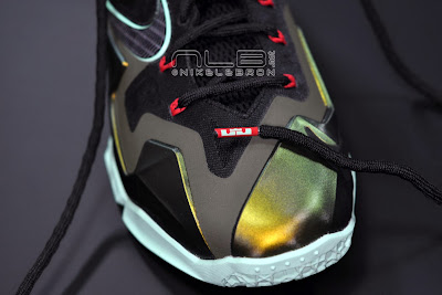 lebron11 king of the jungle 17 web dark LEBRON 11 Breakdown: Yes, its True to Size & Yes, its the Lightest LBJ Sig!