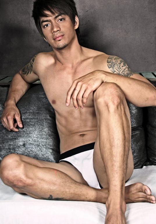 Marcus Aboga shirtless KABE BARAKO Marcus A02