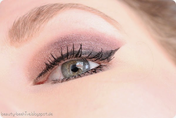 MAC Julia Petit Eyeshadow Duo Sagu Swatch Amu Make up Purplemyweek Cinderella Glitter Reflects Pearl 1
