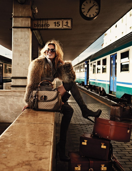 elle italia december2011 julie ordon david burton 1
