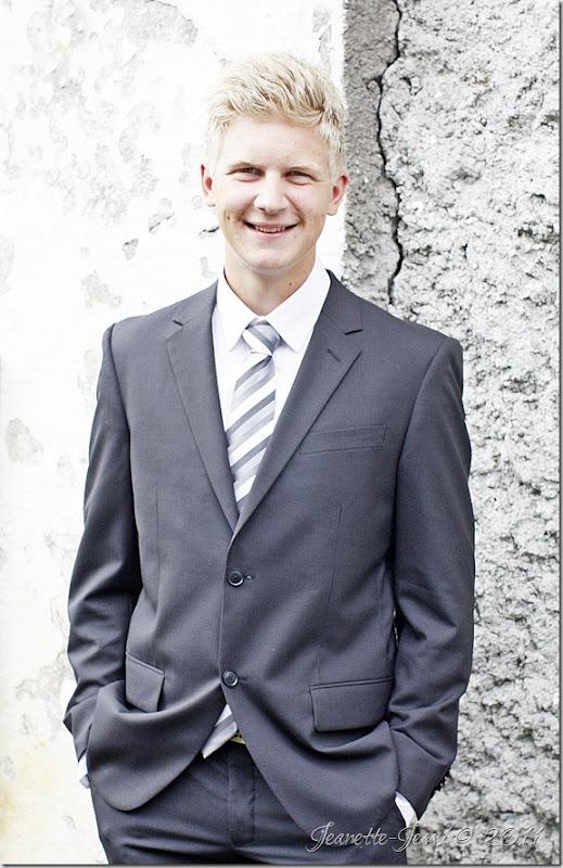Thomas P (44)