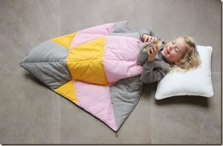 multifunctional-and-transformable-the-play-fold-bird-blanket-for-your-baby-1-524x342