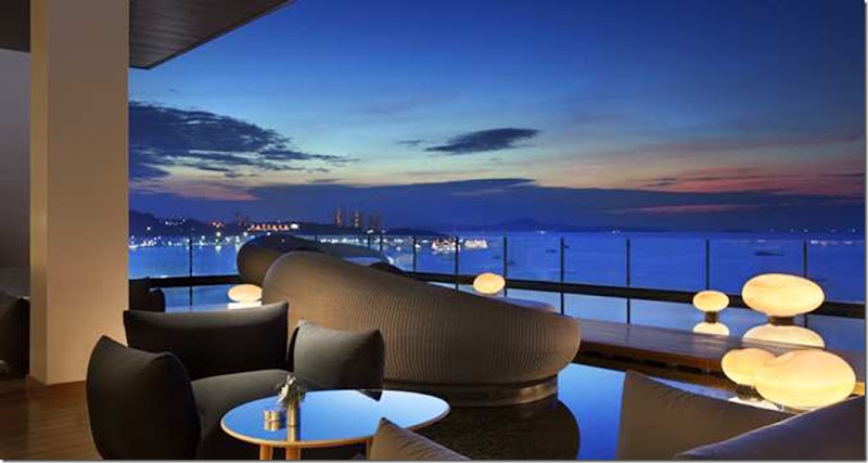 This spacious lounge overlooks beautiful Pattaya Bay and features a sun-soaked outdoor terrace and unforgettable ocean views. Spoil yourself with a variety of cocktails, healthy creative juices and light meals throughout day and into the evening.