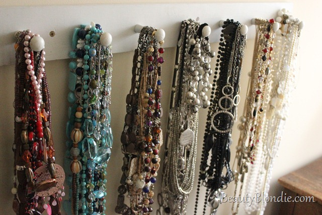 How to Organize A lot of Colorful Necklaces. Red, Teal, Blue, Silver, Grey, Glod, Black and White