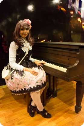 Lolita fashion with piano