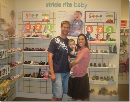09 29 11 - First shoes at Stride Rite! (5)