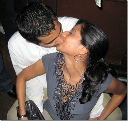 Desi Girl Kissing (1)