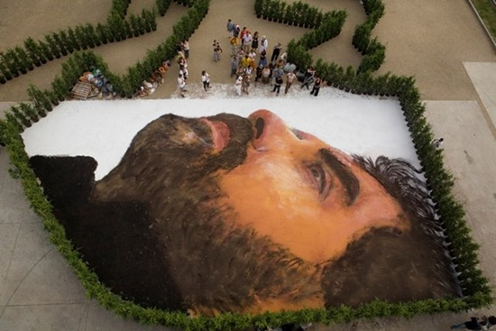 Retratos gigantes Jorge Rodriguez-Gerda (8)