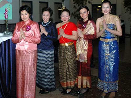 Người Thái và Văn hóa ứng xử đượm nét Phật giáo