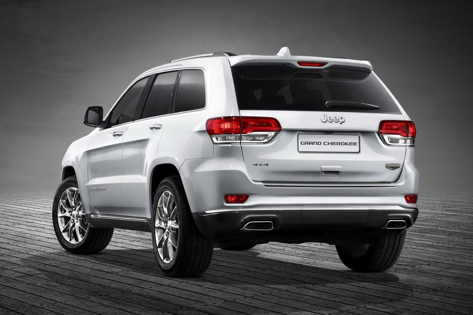 2013-Jeep-Grand-Cherokee-EU2[2].jpg