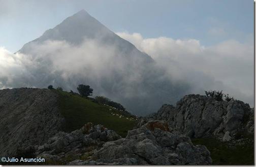 Anboto - vista desde Andasto - Bizkaia