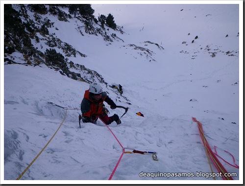 Cascada Mamporros para todos 100m WI4 ,III 90º (Aigualluts, Benasque, Pirineos) (Isra) 3195