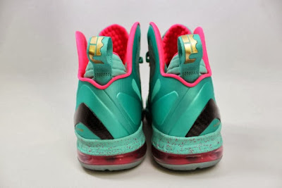 nike lebron 9 ps elite statue of liberty pe 5 04 It Takes $12,900 To Own Two Pairs of Rare LeBron 9 PS Elite PEs