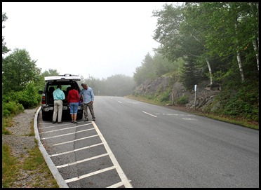 01 - Parking at North Trailhead on Loop Road, cool and foggy