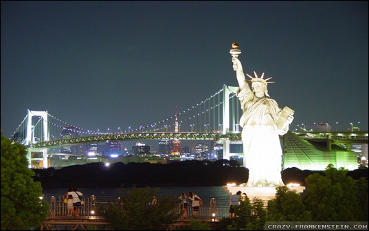 statue-of-liberty-at-night-wallpapers-1920x1200