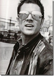 johnny-knoxville-aviator