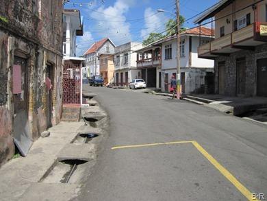 Grenada_Sauteurs_Hauptstrasse_Mittag