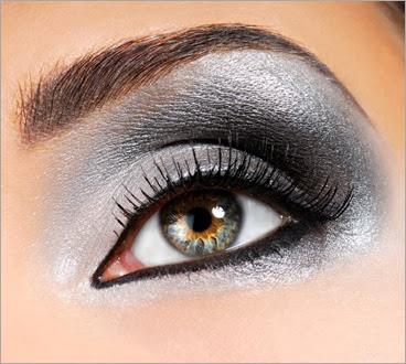 silver-eye-makeup-17