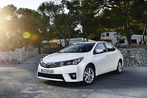 2014-Toyota-Corolla-31.jpg