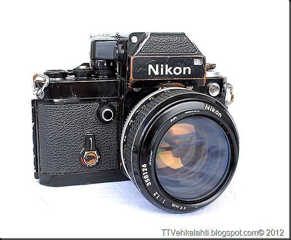Nikon F2 sumukuvia 029