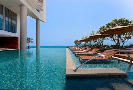 diseño-de-piscinas-vista-al-mar