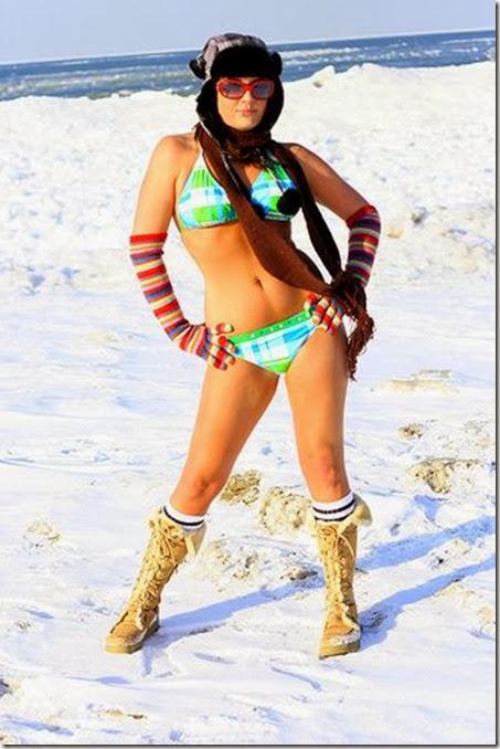 bikini-bridge-snow-068