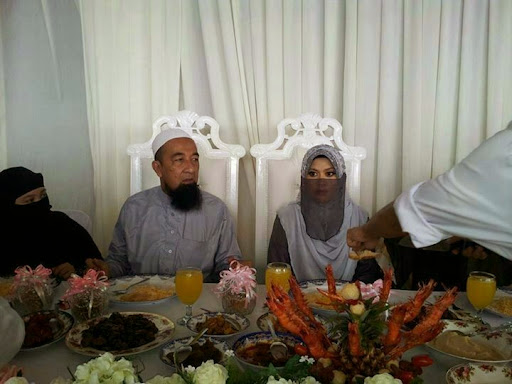 Wajarkah Ustaz Azhar Idrus kahwini isteri ke 3.jpg