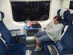 A tak szlachta podróżuje pociągiem. Wagon pierwsza klasa, klimatyzacja, laptopy... uważny obserwator doszuka się też piweczka ;-)