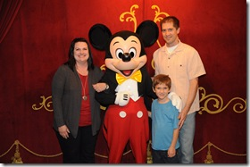 2012-11  Family & Mickey  41687690274
