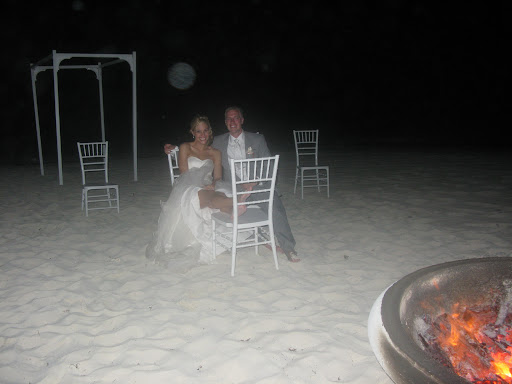 The night ended with a bonfire on the beach and one happy couple under the stars!
