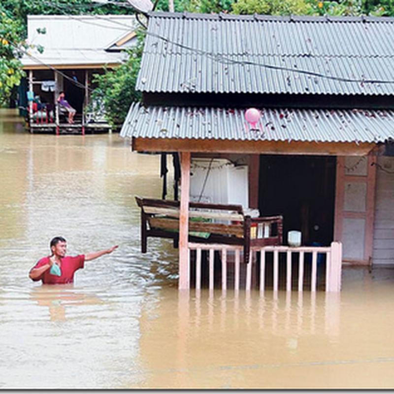 Awasi anak anak anda ketika banjir ini ..