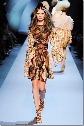 Christian Dior Fall 2011 (nay) 3