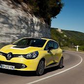 2013-Renault-Clio-4-3.jpg