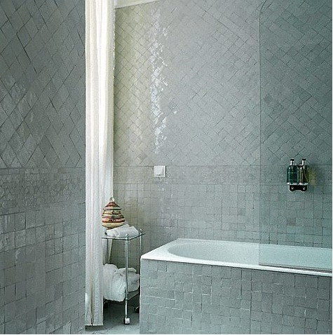 I love the stunning use of tile in this bathroom. (remodelista.com)