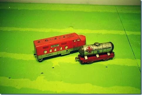 Marx #6000 Diesel & #553  6-in Tank Car