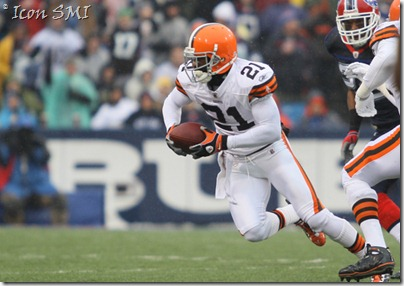 12 December 2010: Cleveland Browns cornerback Eric Wright (21) recover a fumble after Buffalo Bills quarterback Ryan Fitzpatrick (14) loses itat Ralph Wilson Stadium in Orchard Park, NY.