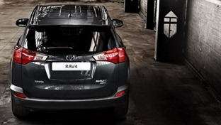 2013-Toyota-RAV4-4
