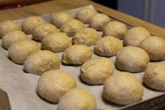 spelt-dinner-rolls_104