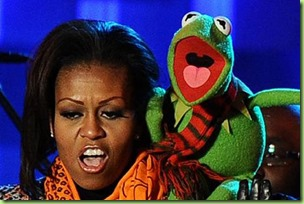 us-first-lady-michelle-obama-sings-with-kermit-the-frog-pic-afp-460945342