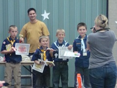 Pinewood Derby 2011 011