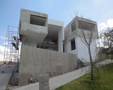 Proceso de construcci n de una casa moderna arquitexs - Construccion de casas modernas ...