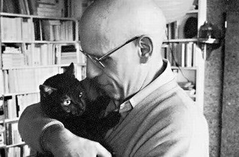 Мишель Фуко с котом...