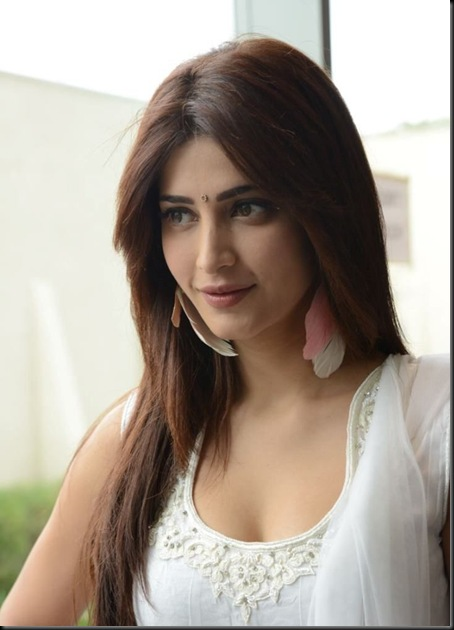 Shruti Hassan Latest Hot Photos in White Churidhar