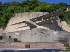 2010.05.24-001 monument de Latham