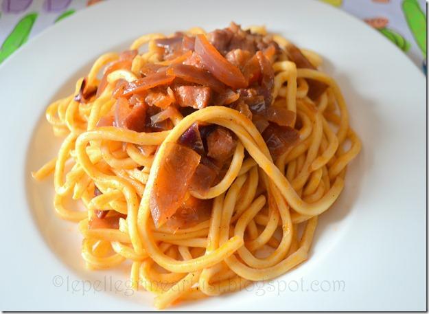 spaghettoni alla cipolla affumicata